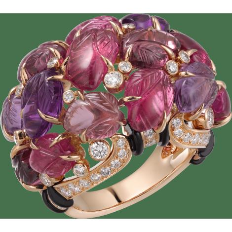 镌刻宝石戒指